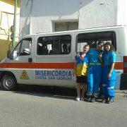 Volontari e l'ambulanza